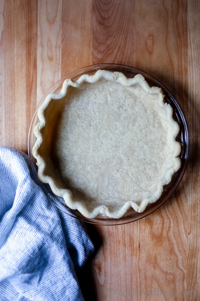 So flakey and tastes amazing! Vegan Coconut Oil Pie Crust Recipe + Tutorial with Video! | Dairy Free