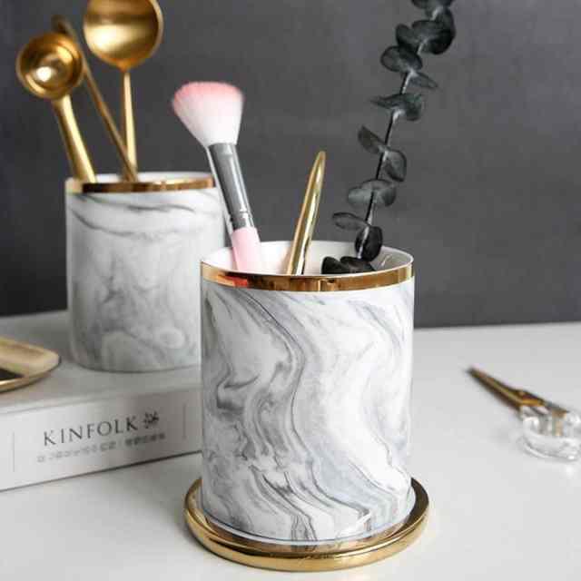 pot pinceau effet marbre