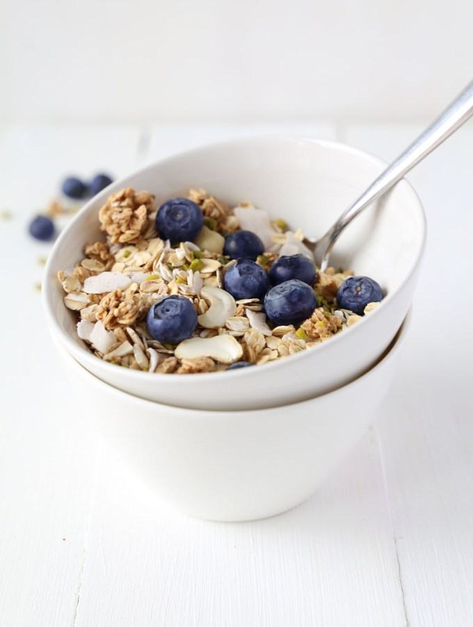 Healthy 5-Ingredient Vanilla Tahini Granola