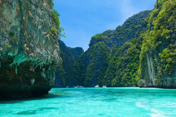 badeurlaub-in-thailand-hier-zu-sehen-die-bucht-maya-bay-bei-koh-phi-phi