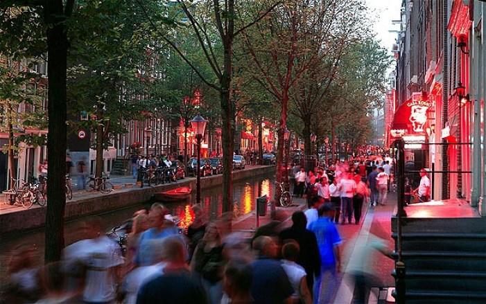 Inside Amsterdam 39 S Red Light District Vanilla Sky Dreaming