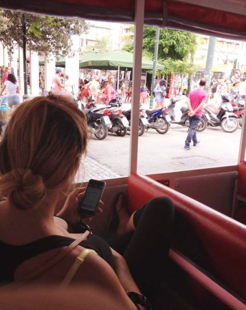 travel blogger lifestyle athens