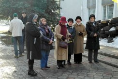 Sokal - older ladies in front of an occupied public building