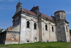 Uhniv - church ruin