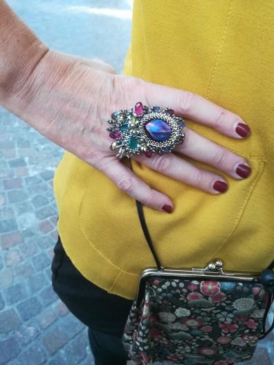 """Il nome di questo anello è """"RAINBOW DROP"""""""