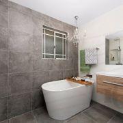 13001400mm-Oval-Slim-Acrylic-Freestanding-Bath-Tub-w-Side-Waste-1340x675x560-253379671977-5