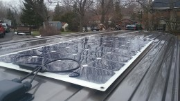 The holes drilled into the roof for wiring access are covered with a cap, preventing water from seeping in.