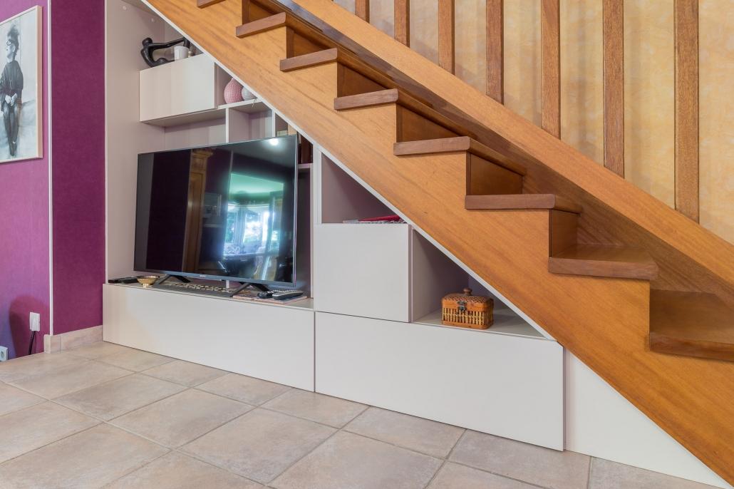 meuble tv sous escalier vannes