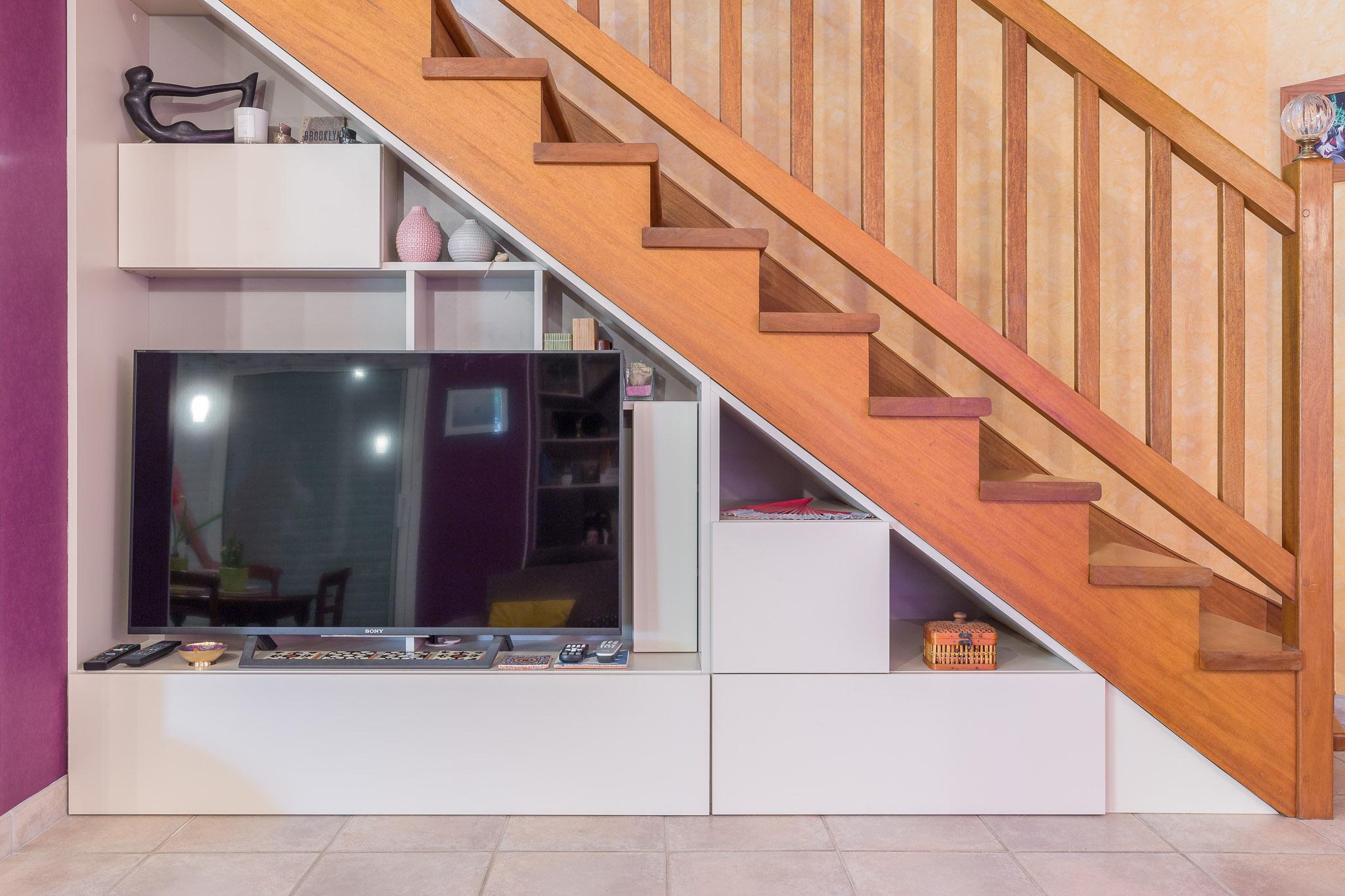 meuble tv sous escalier vannes interieurs prives