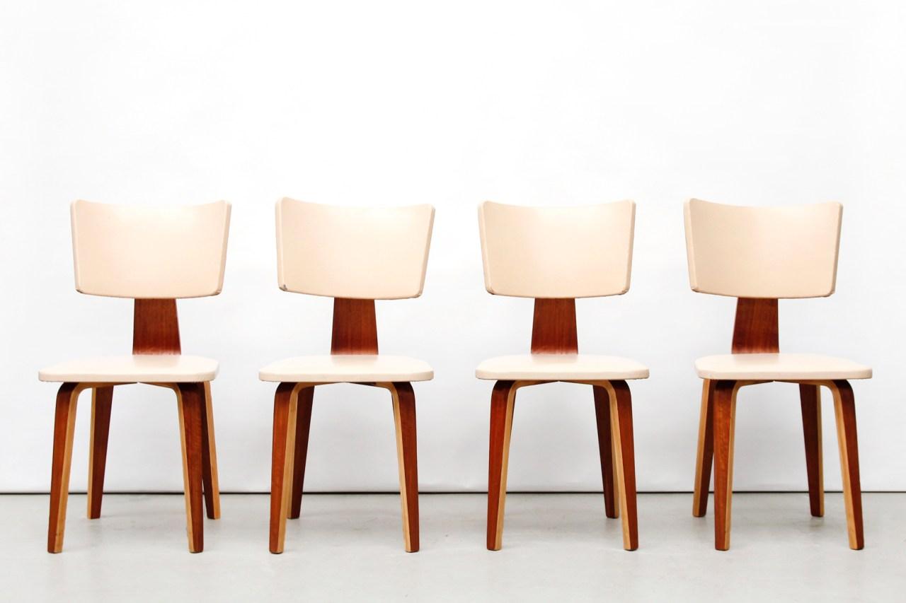 Vier Cor Alons vintage eetkamerstoelen  van OnS