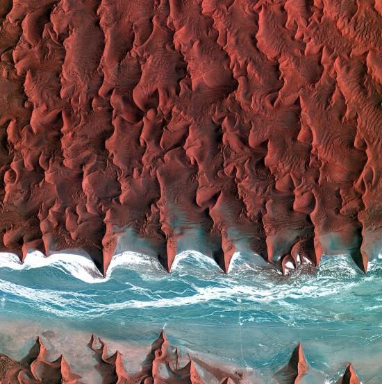 Namib_Desert-Medium-550x553