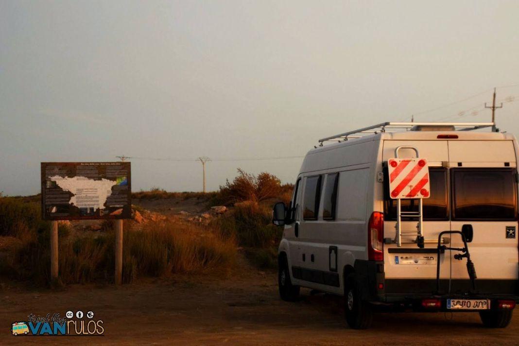 Furgonera Camper en el Delta del Ebro