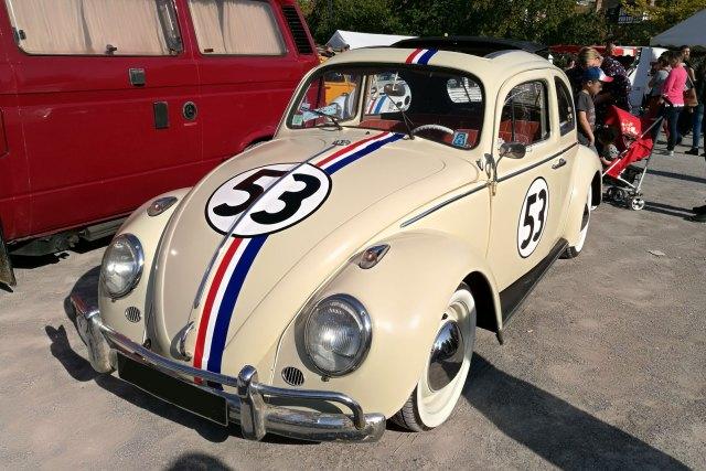 Une cox aux couleurs de la célèbre Herbie de Disney.