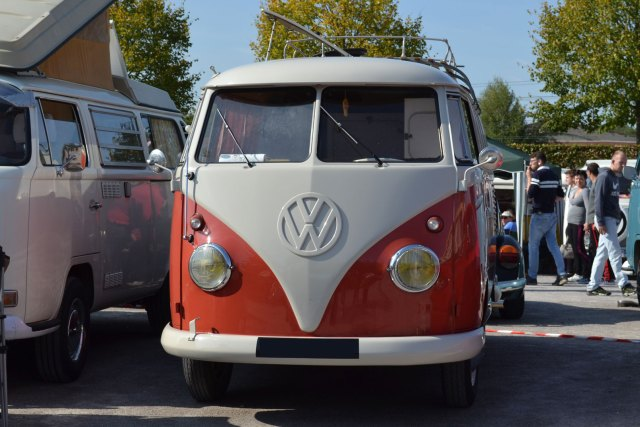 VW T1 Bulli sur un meeting en Picardie.