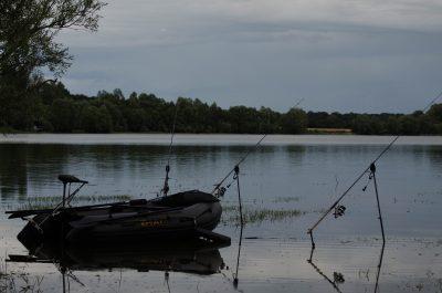 Karpfenangeln in Nordfrankreich Tackle im Wasser