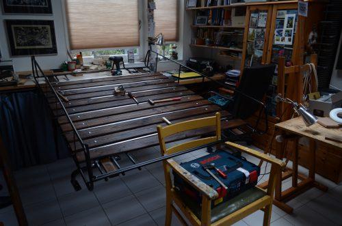 Aus dem Dachgepäckträger wird eine beplankte Dachterasse