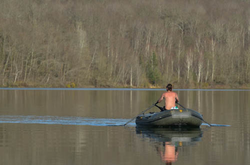 Angler auf einem Iboat 320