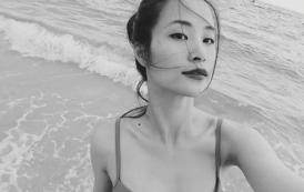 Ngắm Đông Nhi ướt át khoe dáng trên biển