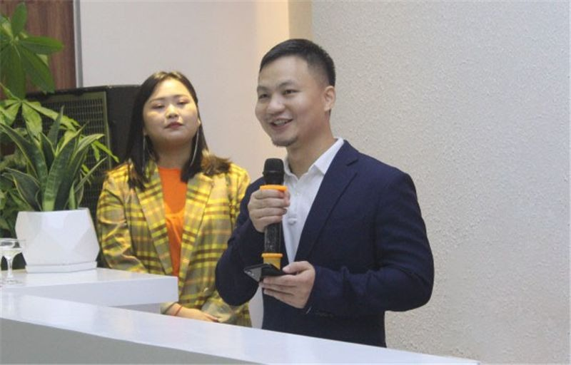 VapeEZ CEO & manager, Shi Jinglian
