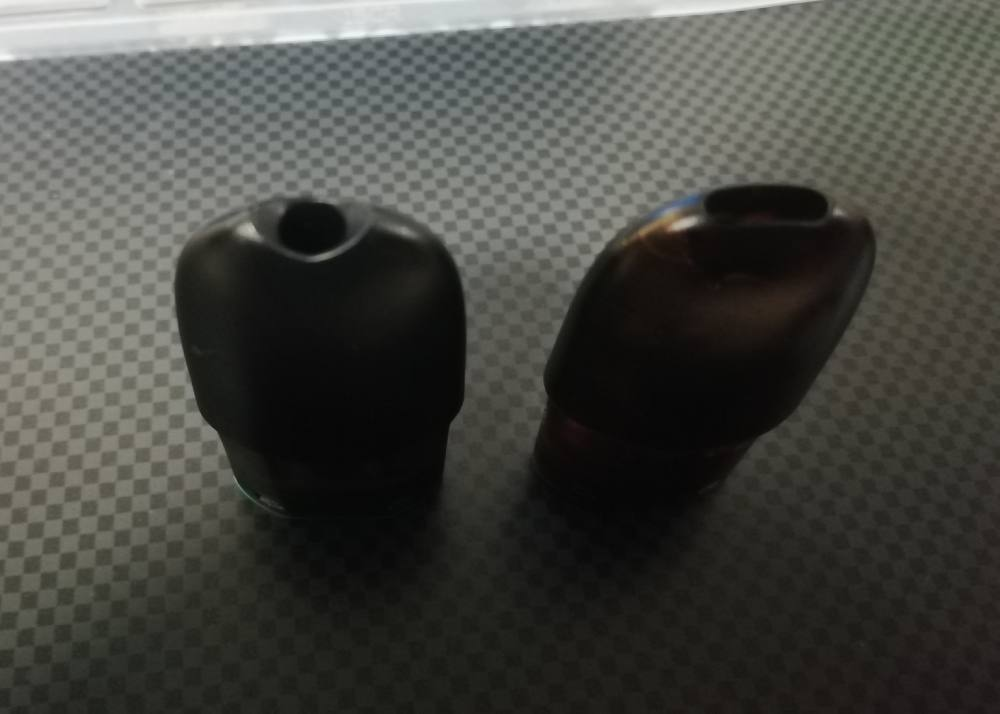 Left is new pod version Right is old pod version(E-coffee)