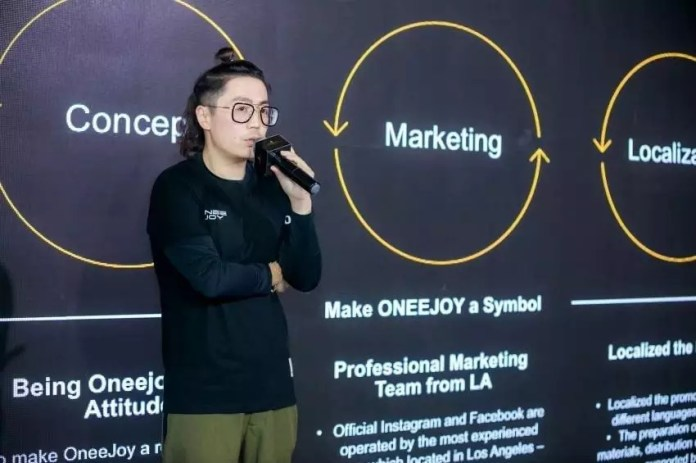 Mr. Tang, co founder of oneejoy