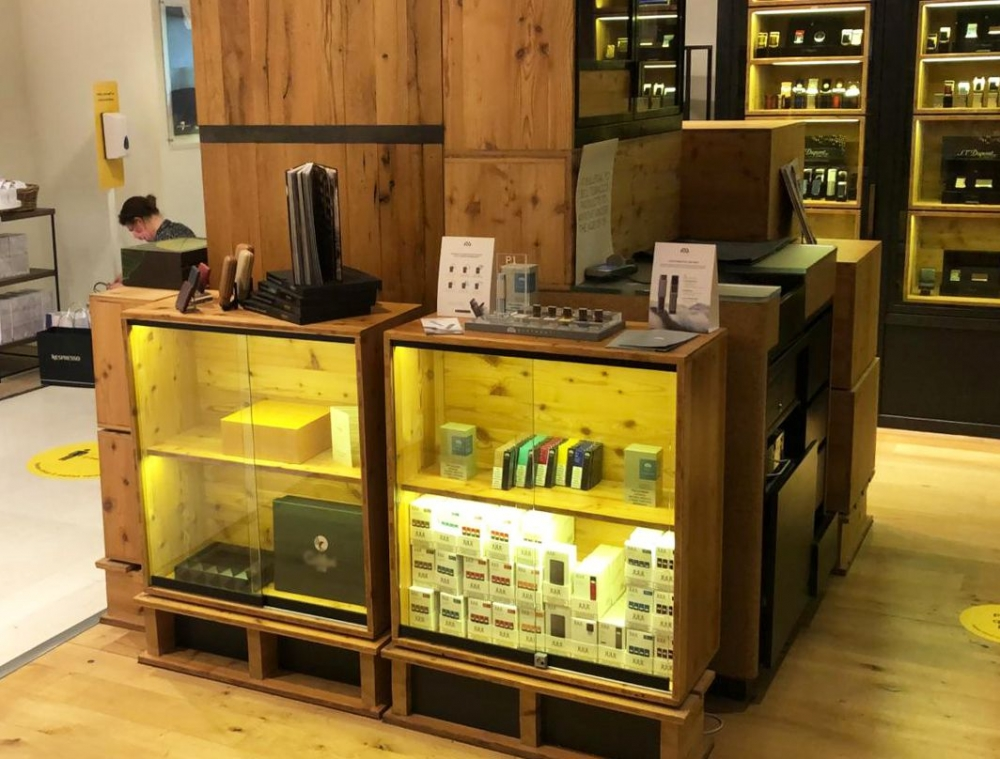 Myst Labs settled in Selfridges, a famous high-end department store in the UK