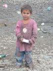 Junge in der Siedlung Pată Rât