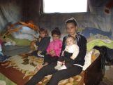 Lucia mit Mutter und Brüdern