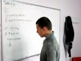 Patenkind Alexandru im Mathematikunterricht an der Tafel