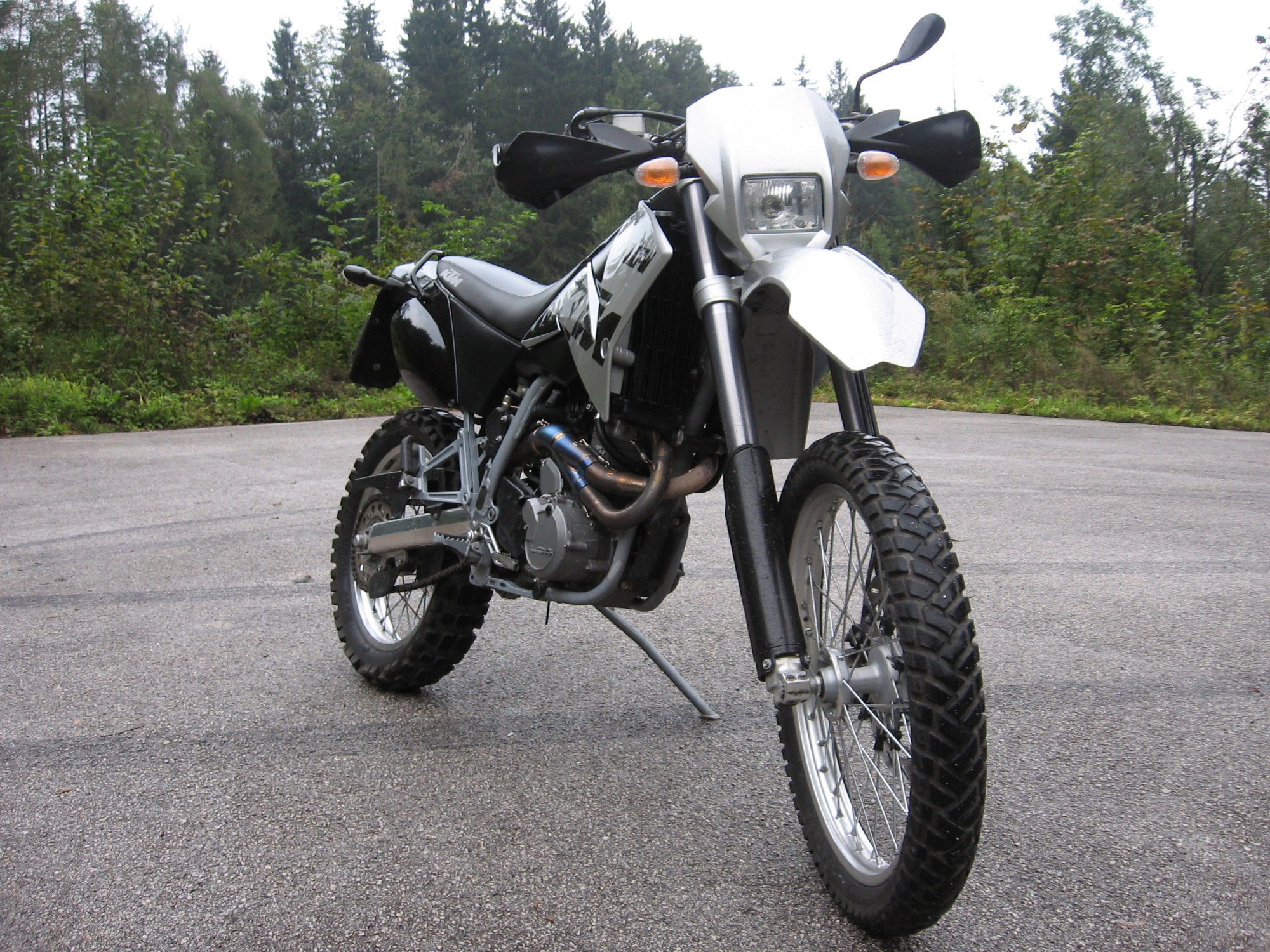 hight resolution of here are the stock fork guards on the bike when i got it