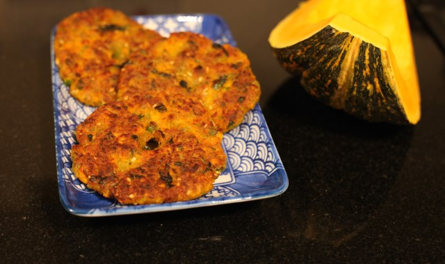 Thaalipeeth with red pumpkin and peas