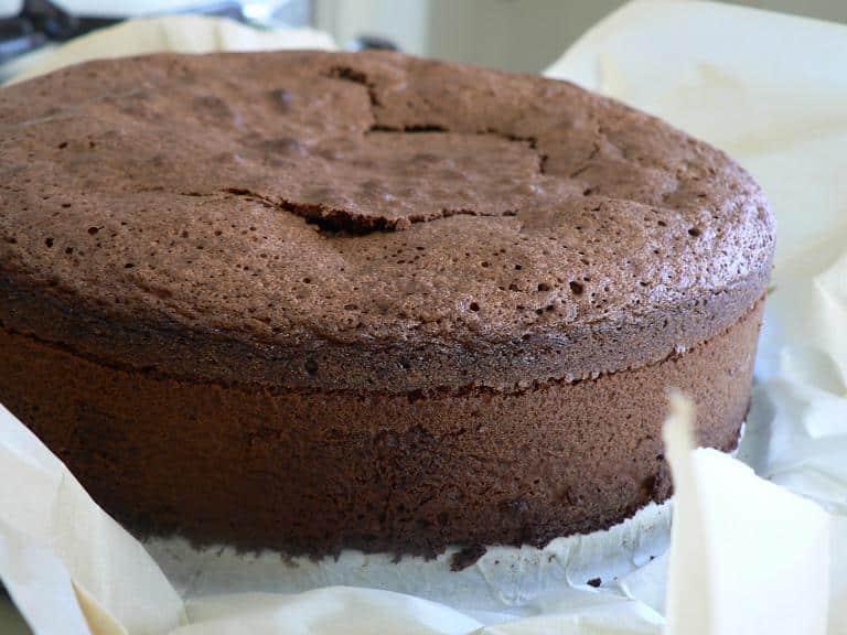 Bolo de chocolate com farinha de arroz fofinho