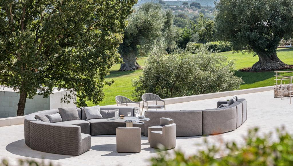 BELT modular sofa by Varaschin for outdoor furniture