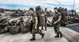 Sænskir hermenn á æfingu undir merkjum NATO sumarið 2015.