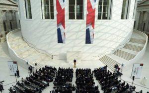 David Cameron flytur ræðu sína um öryggismál í British Museum.
