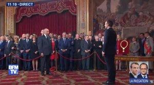 Frá innsetningunni í Elysée-höll. Laurent Fabius setur Emmanuel Macron í embætti.