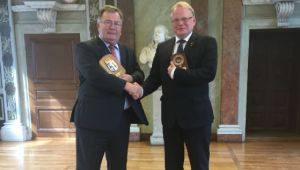 Claus Hjort Frederiksen og Peter Hultqvist.