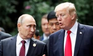 Vladimír Pútín og Donald Trump í Víetnam í nóvember 2017.