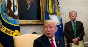 Donald Trump og John R. Bolton.