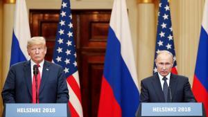 Donald Trump og Vladimír Pútín á blaðamannafundi í Helsinki.