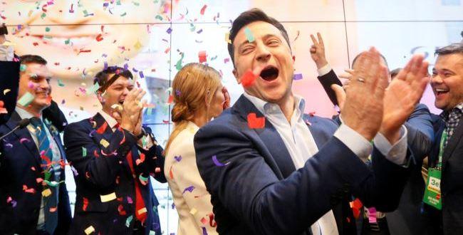 Stórsigur Zelenskíjs í Úkraínu – Porosjenko játar ósigur