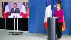 Emmanuel Macron og Angela Merkel á fjar-blaðamannafundi 18. maí 2020.