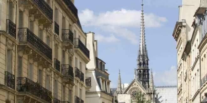 Óbreytt útlit á endurreistri Notre Dame segir menningarmálaráðherrann