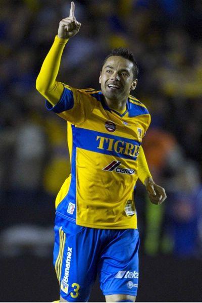 Danilinho, Tigres