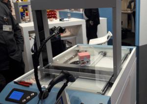 3D-Volumensmessung am Stand von KHT