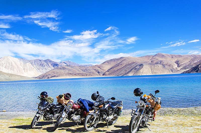 rent a bike for ladakh