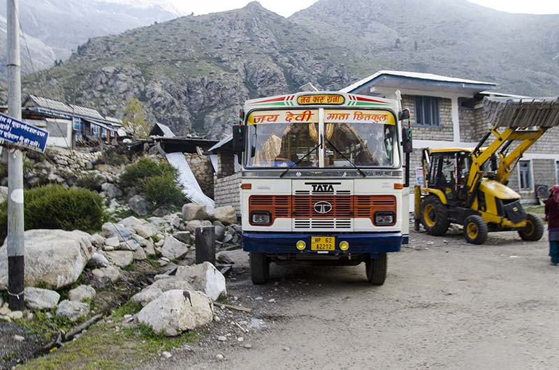 how to reach spiti valley by bus
