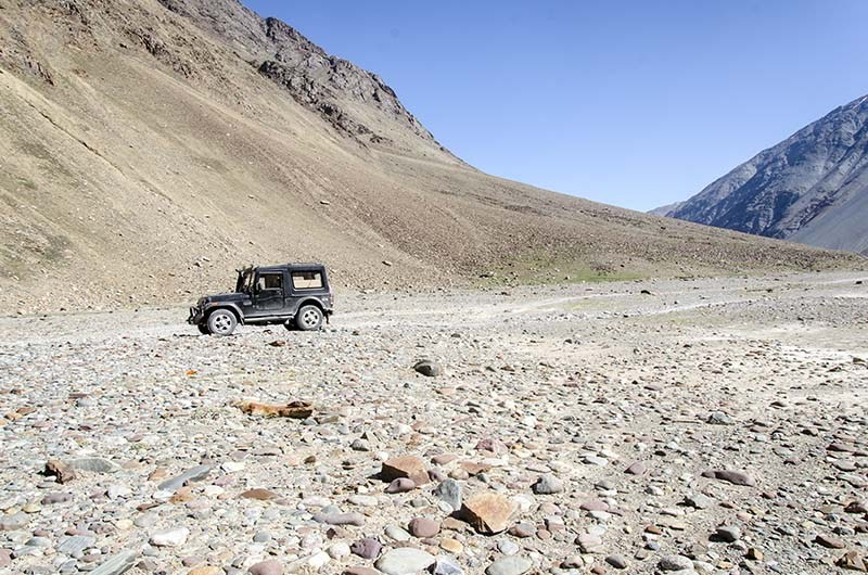manali kaza road status