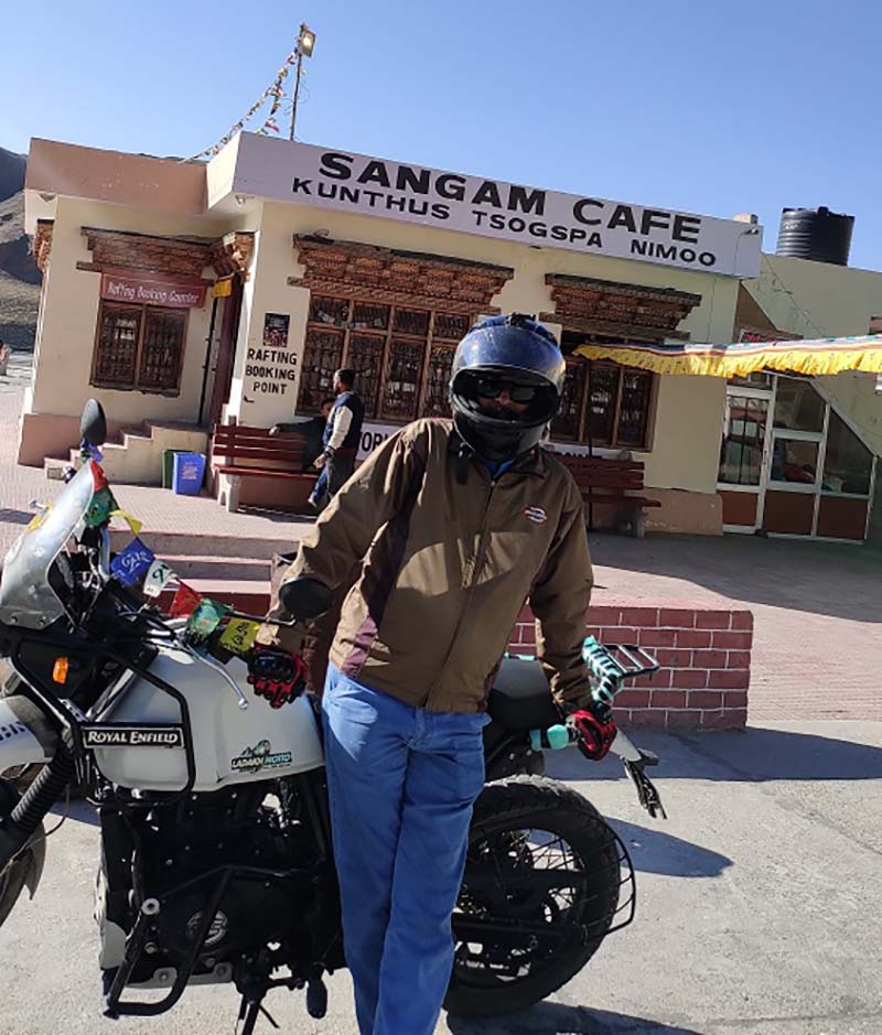 sangam cafe at sangam point