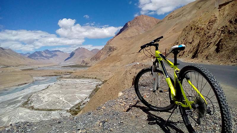 cycling in spiti valley